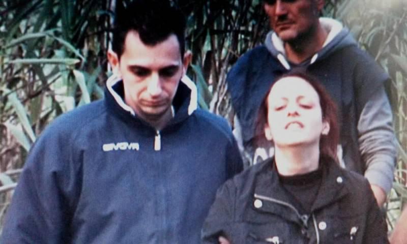 Davide Stival trova in casa forbici e una cintura che consegna alla polizia