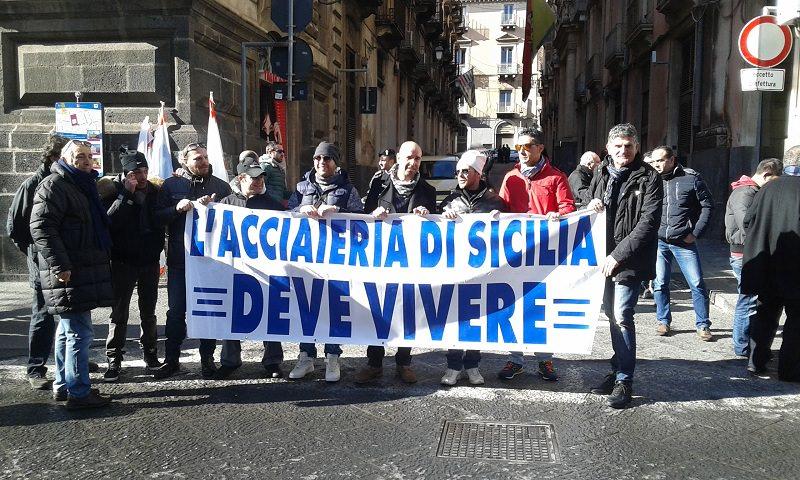 Acciaierie di Sicilia, fumata nera. La protesta continua