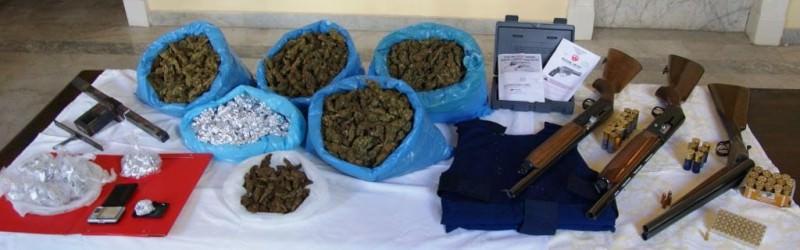Lotta alle cosche a Librino: fucili, giubbotti anti-proiettile e marijuana a chili
