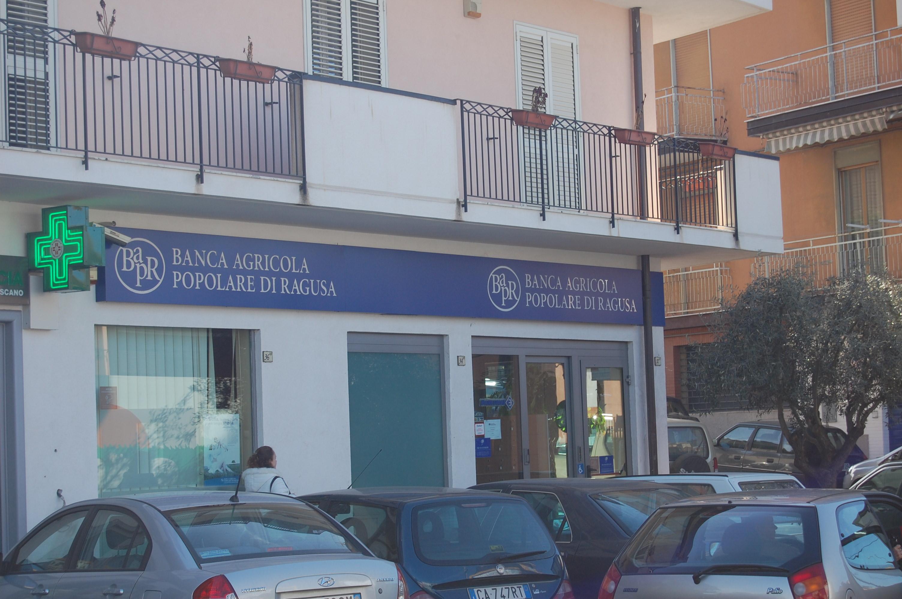 Adrano: rapina alla Banca Agricola Popolare di Ragusa