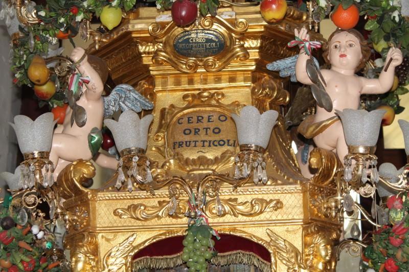 """Verso Sant'Agata: """"la signorina"""", la candelora degli ortofrutticoli"""