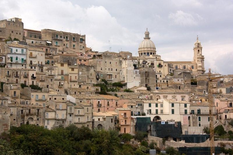 Ragusa, Aricò spiega motivazioni dell'uso di strutture minori