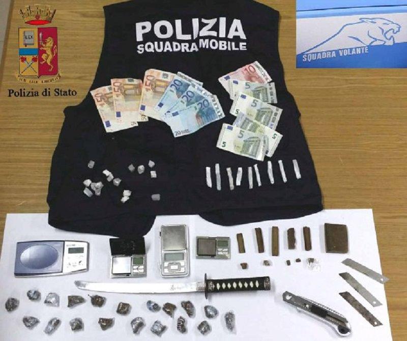 Ragusa, blitz della polizia: vendevano droga anche ai minori