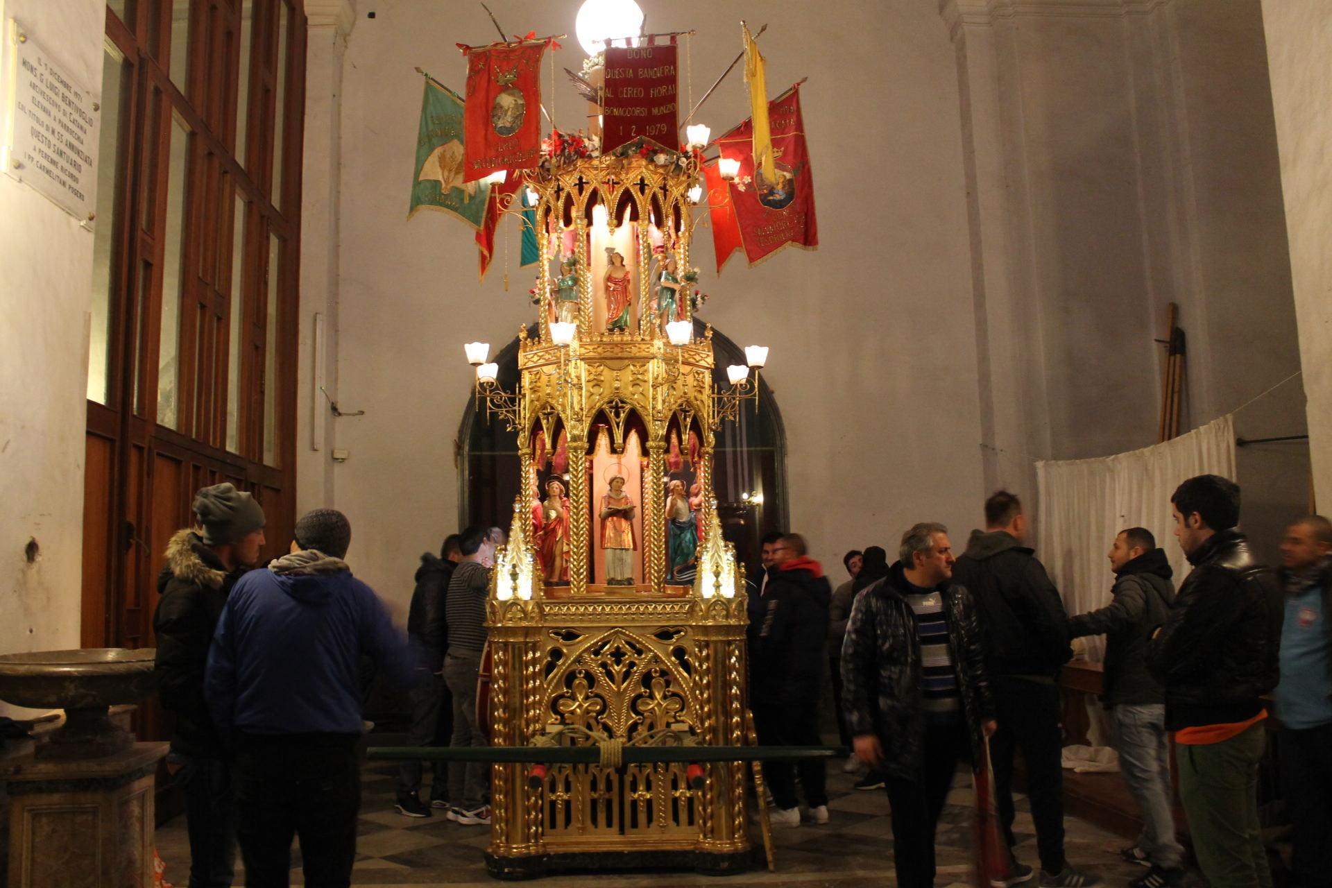 """Verso Sant'Agata: ecco la candelora dei """"fiorai"""""""