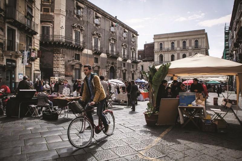 """Nuova area pedonale in centro storico a Catania nella zona di """"centrocontemporaneo"""""""