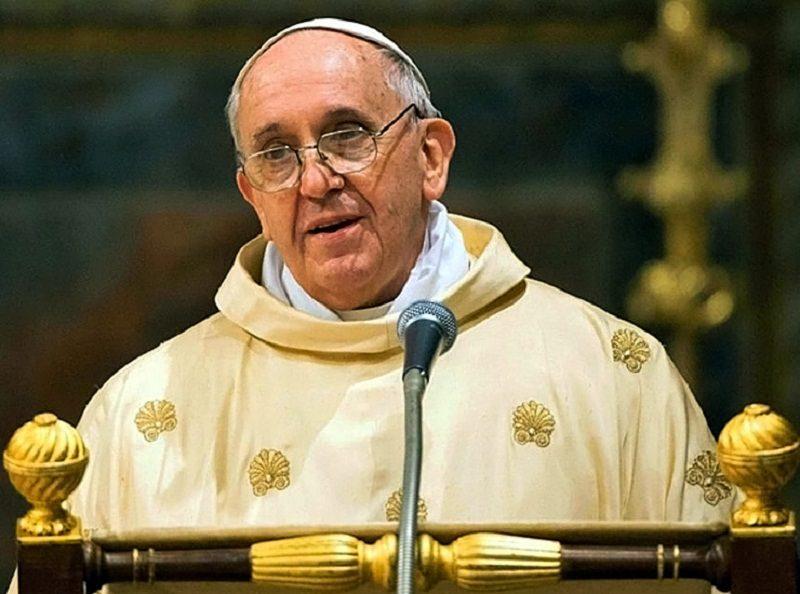 Prezzi degli alberghi alle stelle per la visita del Papa, 1.000 euro per un posto in stanza con sacco a pelo