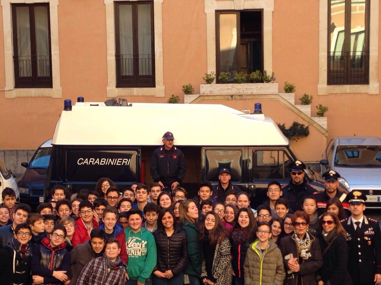 Catania, studenti di Misterbianco in visita al comando dei carabinieri