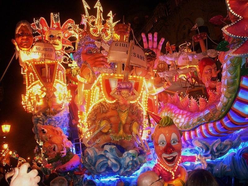 Il Carnevale di Acireale: grandi appuntamenti fino a martedì