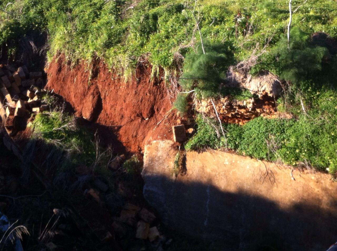 Nel canale di via Badame a Palermo crolla un tratto di argine
