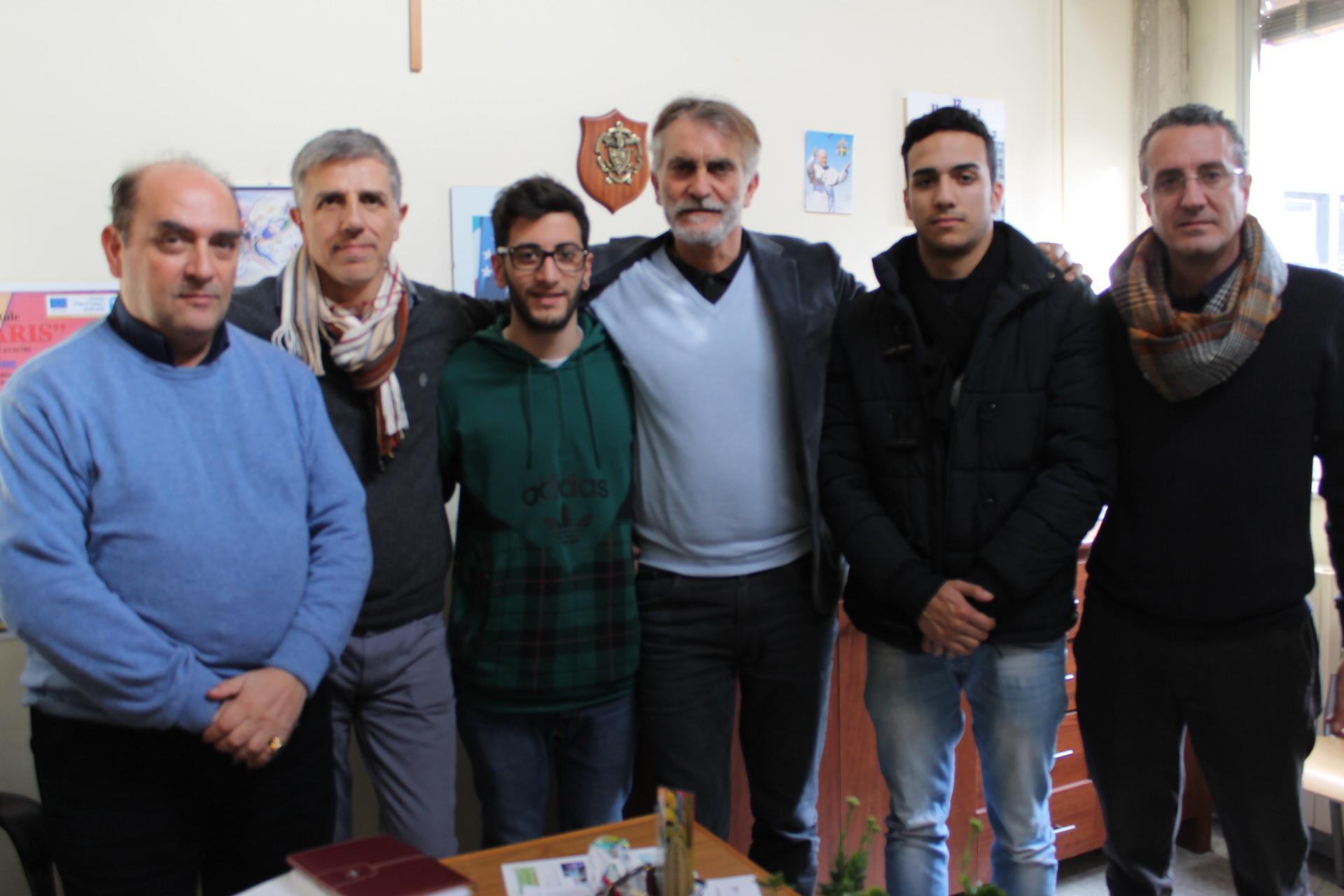 """Al """"Galileo Ferraris"""" di San Giovanni La Punta si va a scuola con il tablet"""