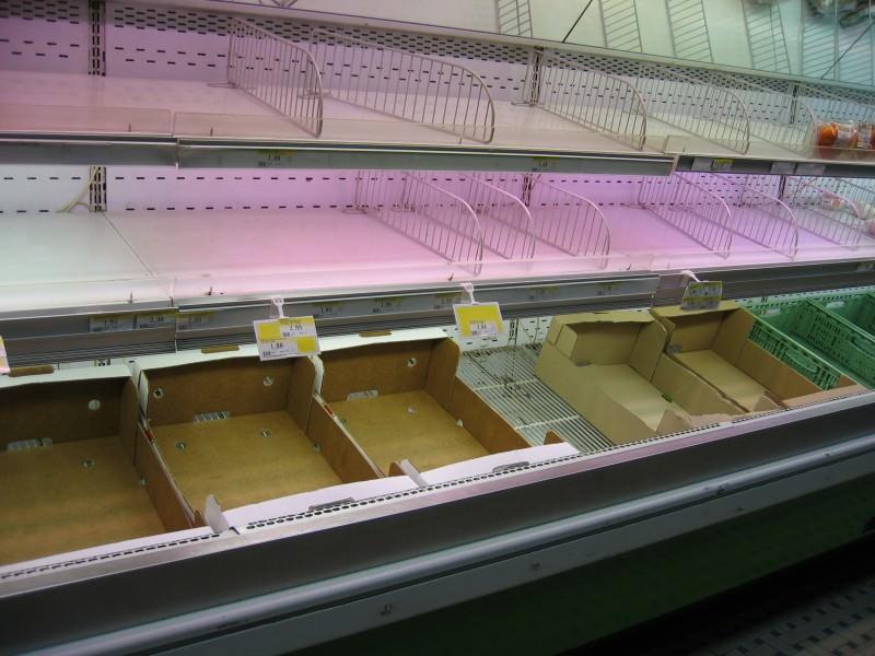 Controlli in due supermercati, trovati alimenti privi di tracciabilità: sanzioni fino a 1.500 euro