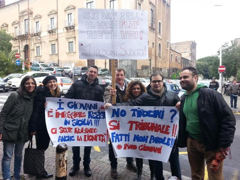 Catania, incontro su Garanzia e Piano Giovani ma scattano le proteste