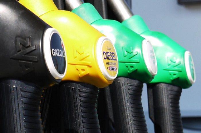 """Codacons: """"Rincari sul carburante abnormi e ingiustificati"""""""