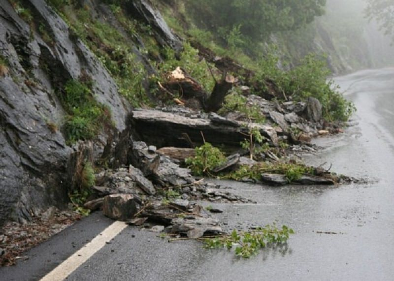 Sicilia, disagi causati dalle piogge. A Palermo 4 villette scivolano a valle