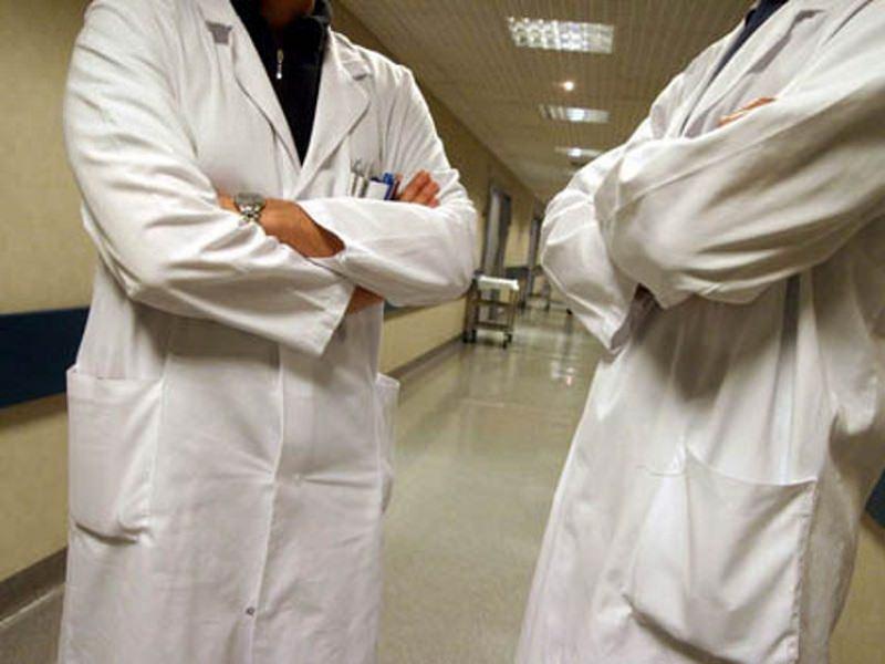 """Palermo, dall'Ordine richiamo ai medici ospedalieri: """"Devono prescrivere farmaci ed esami altrimenti sanzioni"""""""