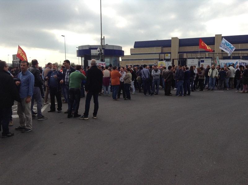 Catania: riallocati lavoratori Micron, Cig per dipendenti Myrmex