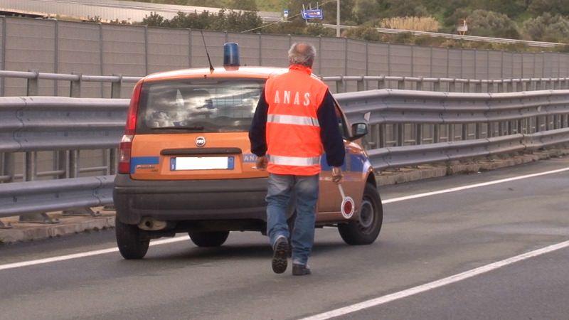 Incidente sulla Palermo-Catania: una persona ferita. Traffico in tilt