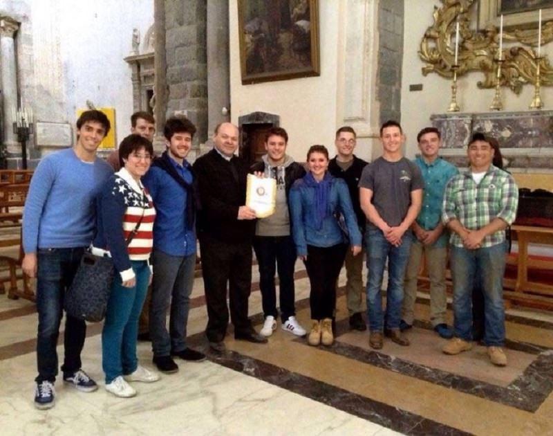 Catania, Marines di Sigonella tendono la mano al Duomo