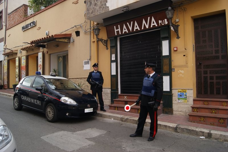 Accoltellamento in un pub di Terrasini: tre ragazzi finiscono in manette