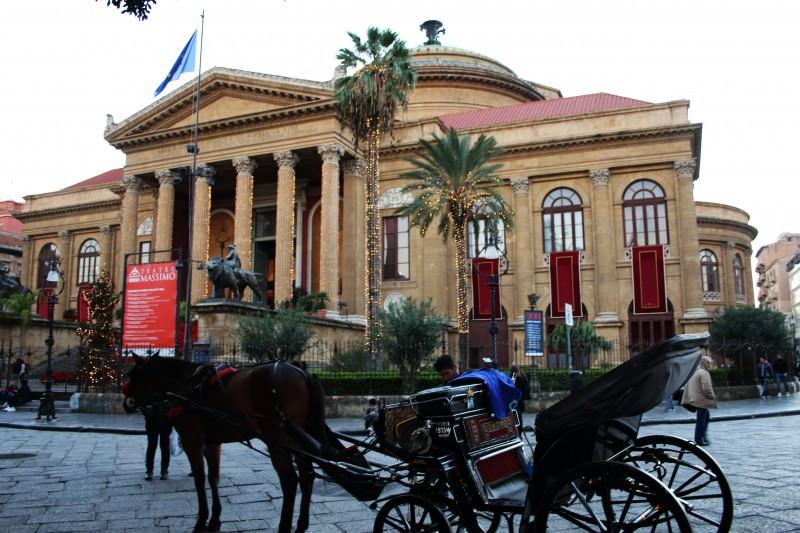 Palermo, riapre lo storico Caffè del Teatro Massimo
