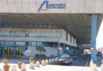 """Caos all'aeroporto di Palermo per i tamponi, Gesap annuncia: """"Decisa la momentanea sospensione"""""""