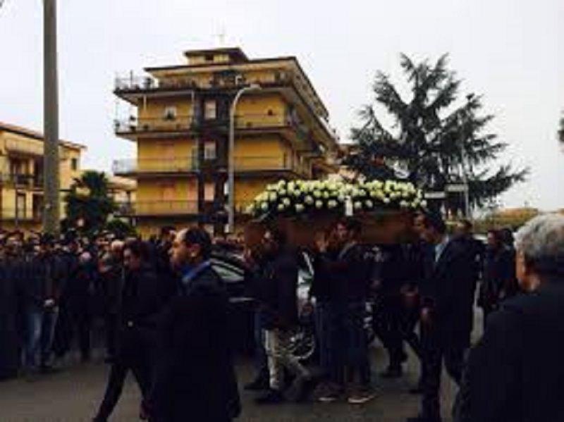 Giarre, folla per ricordare Flavia Magro: il conducente sotto inchiesta VIDEO