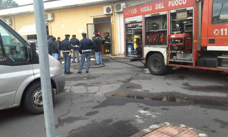 """Catania, dato alle fiamme l'help center Caritas. Don Galvano: """"Tanta amarezza"""""""