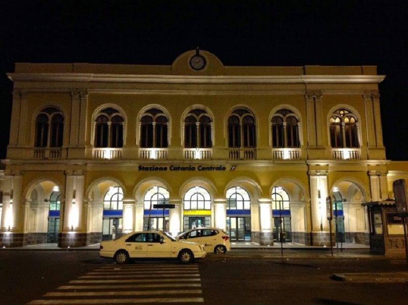 Rissa alla stazione di Catania: denunciati due uomini e una donna