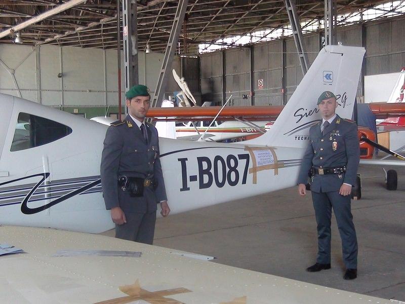 Palermo, una Ferrari e un aereo sequestrati ad avvocato evasore