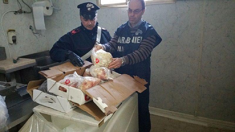 Solfiti e nitrati nella carne: sequestrate 4 tonnellate e denunciati 23 macellai