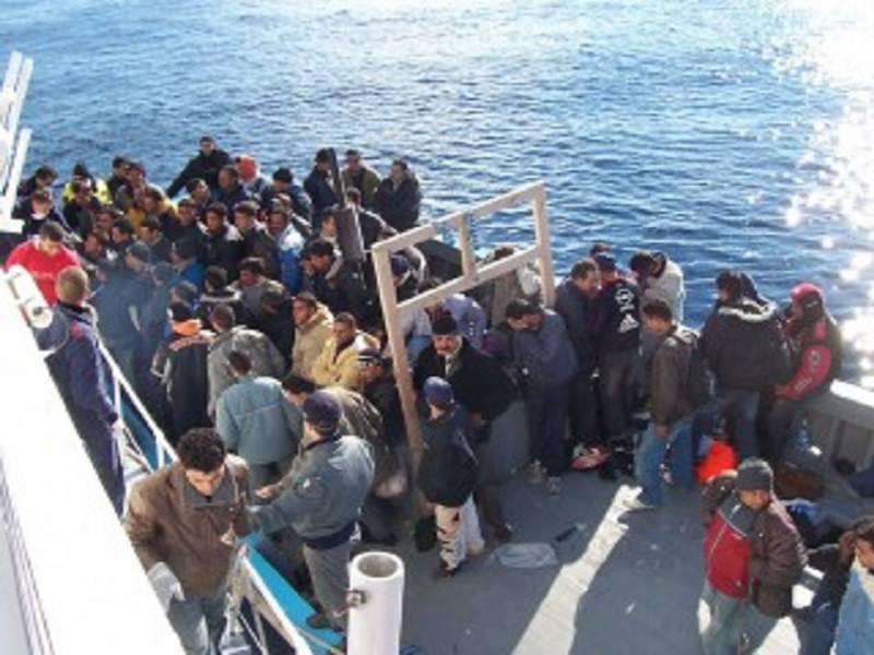 """A Messina il centro 'Hotspot' per migranti, Accorinti: """"Contrari a questo sistema"""""""