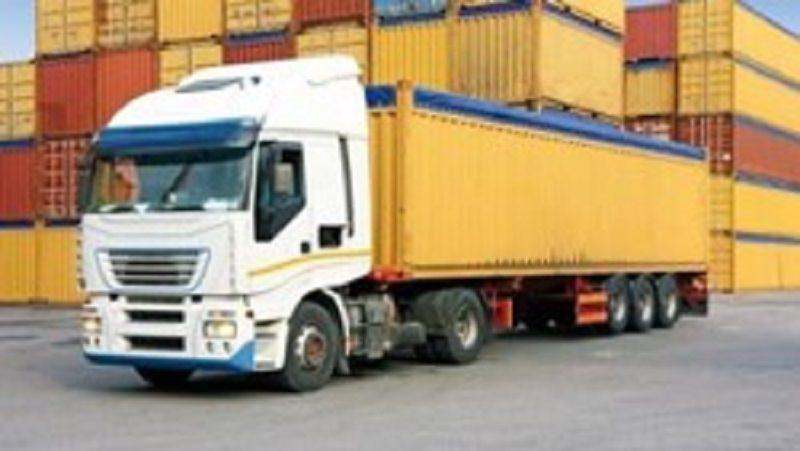 Camionisti nelle aree portuali solo con badge digitale