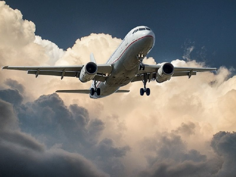 Catania, aereo della Meridiana perde una ruota mentre decolla