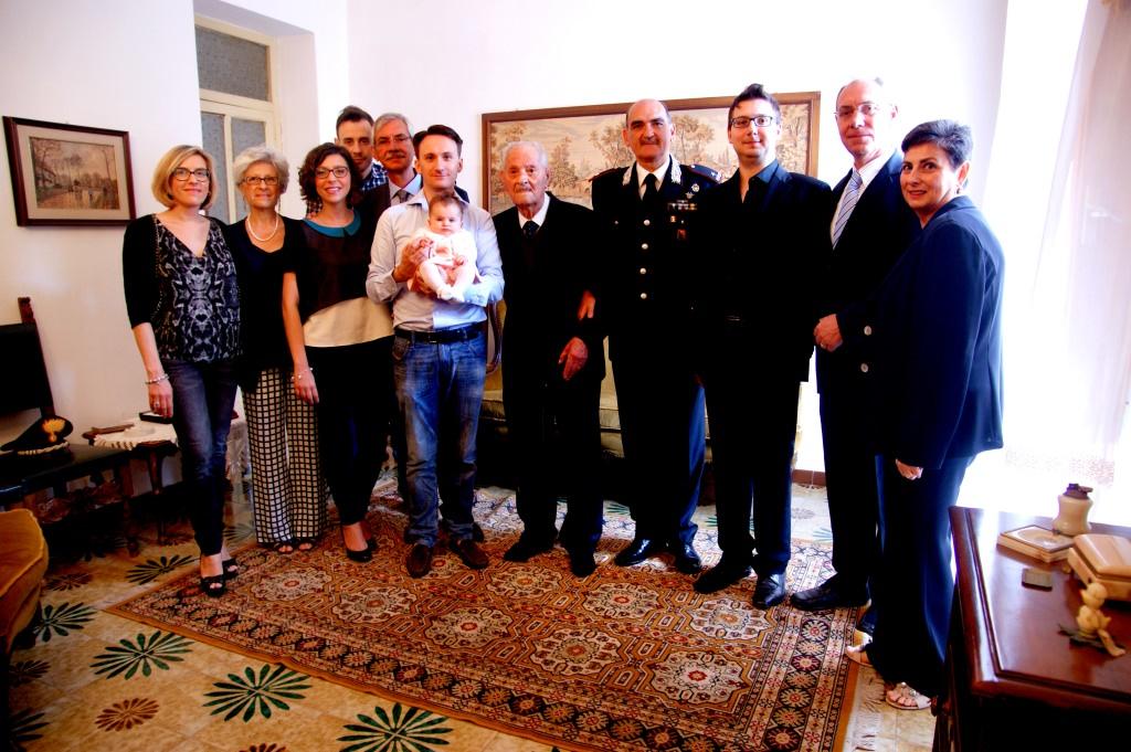 Festeggiato a Palermo ex carabiniere che compie 100 anni