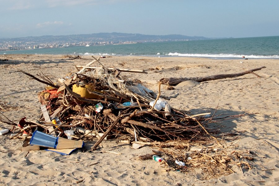 Spiagge libere: degrado, sporcizia e disinteresse