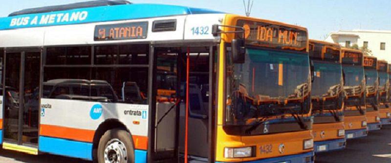 """Personale Sostare sugli autobus e un ritorno al passato con il """"bigliettaio"""""""