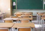 """Tragedia in classe, professore esclama: """"Non sto bene, datemi un bicchiere d'acqua"""", muore davanti ai suoi alunni"""