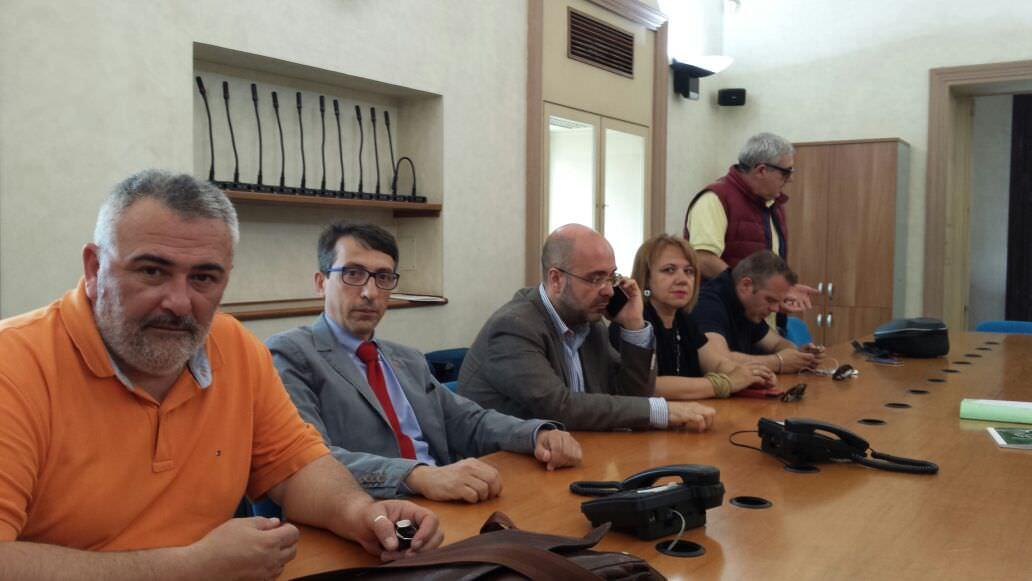 """Catania, lavoratori Myrmex protestano sul tetto dell'azienda: """"Vogliamo delle risposte chiare"""""""