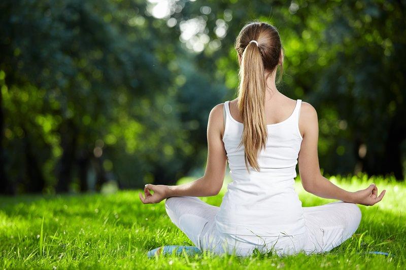 Yoga ai tempi del Coronavirus: sopravvivere allo stress non è mai stato così semplice