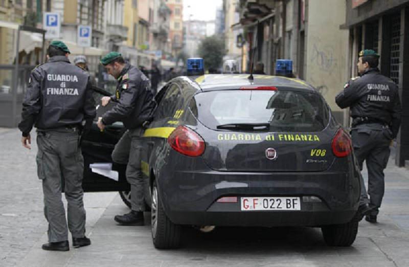 Turbativa d'asta e aggiudicazione illegale di appalti, 25 persone in manette tra Calabria, Sicilia e Lazio. I NOMI