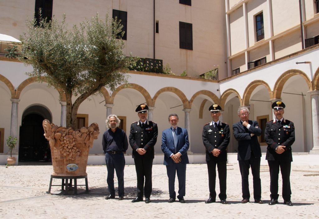 Palermo, caserma abbellita da ulivo in ceramica
