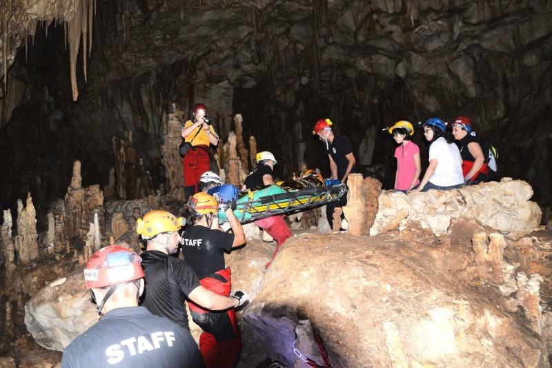 """Siracusa, """"diversamente speleo"""" nella Grotta Monello"""