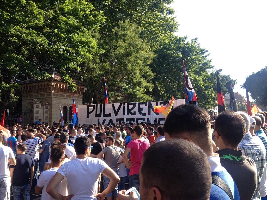 I tifosi del Catania protestano indignati   FOTO e VIDEO