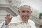 """""""Beva la grappa, è un toccasana"""": il consiglio di Papa Francesco alla suora raffreddata"""
