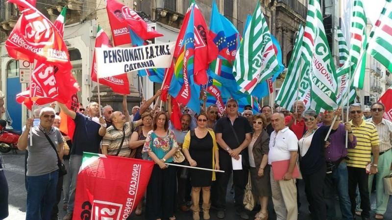 Catania, sit-in dei pensionati. Presentate proposte al Governo