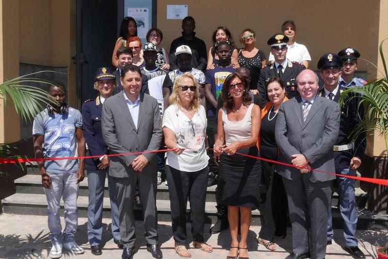 Catania, inaugurato al Gelso Bianco un centro per immigrati regolari