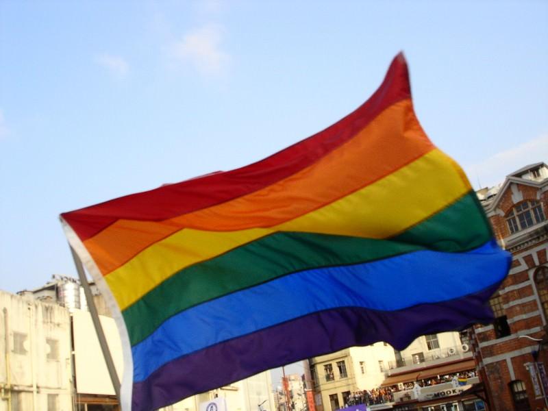 Gender games, Sinodo, nozze gay e onda pride: qualcosa sta cambiando?