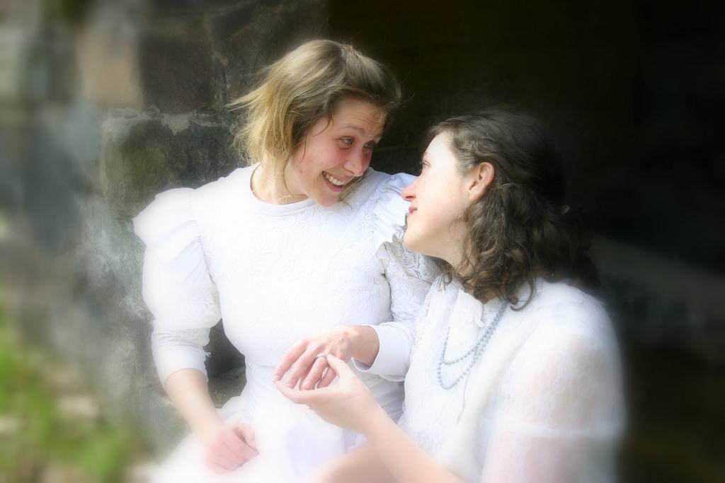 Carini, il consiglio approva il registro per coppie omosessuali ed eterosessuali