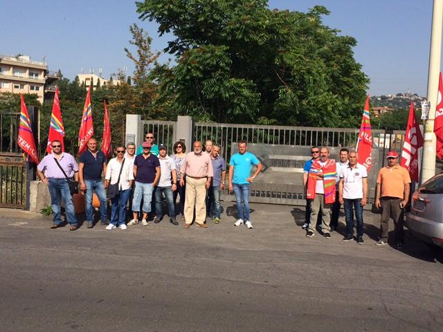 Vertenza Myrmex, domani protesta dei lavoratori davanti alla Prefettura