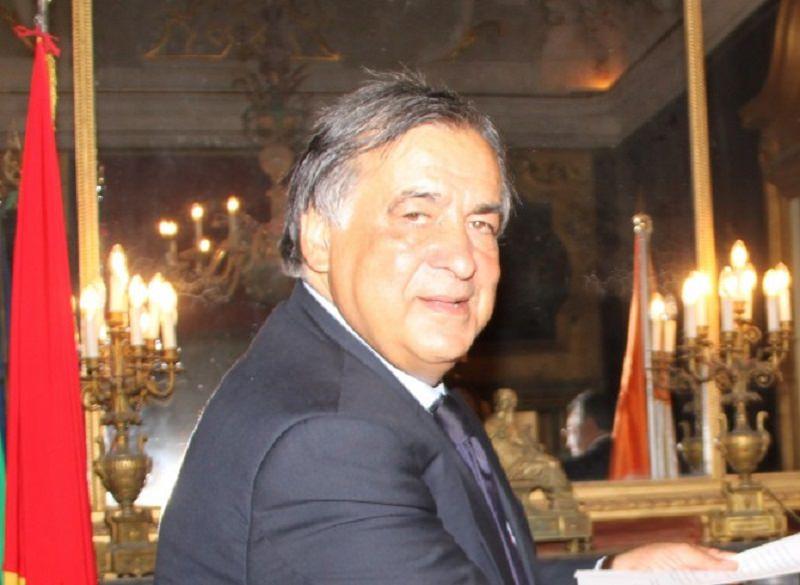 """Leoluca Orlando scrive una missiva a Tsipras: """"La bandiera greca è accanto a quella europea, italiana e palermitana"""""""